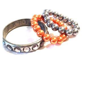 Jewelry - 🎀FREE🎀NWOT Plastic Bracelet Set